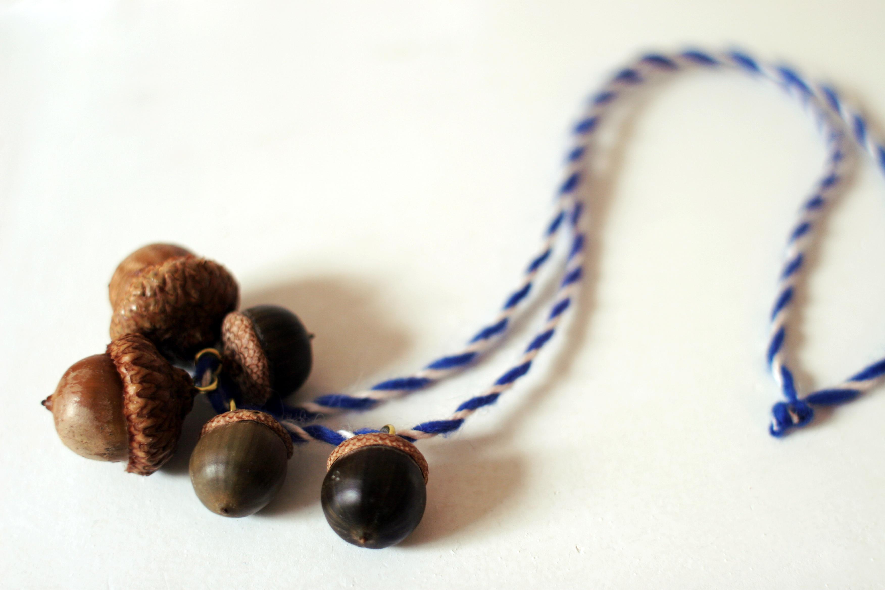 Diy acorn necklace domesticspace for Acorn necklace craft