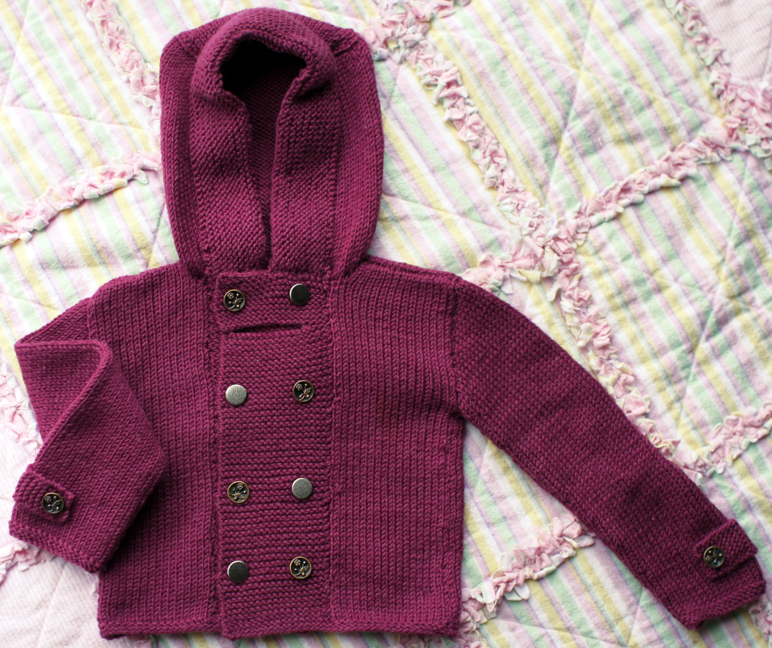 Knitting Pattern For Toddler Duffle Coat : DIY Knitted Duffle Coat Domesticspace